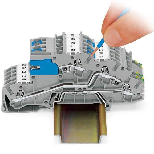 Instalacyjne złączki piętrowe