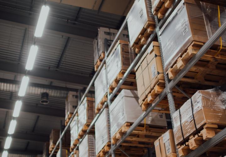 WAGOexpress – Problematyka sterowania oświetleniem dla hal przemysłowych w pigułce